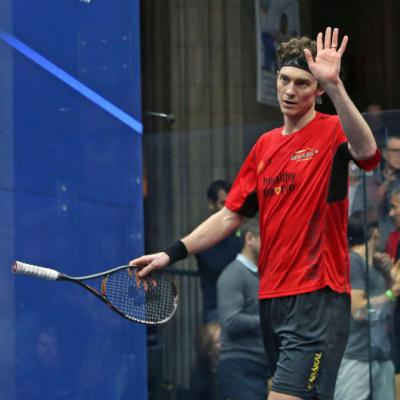 Pilley stuns Matthew in Windy City